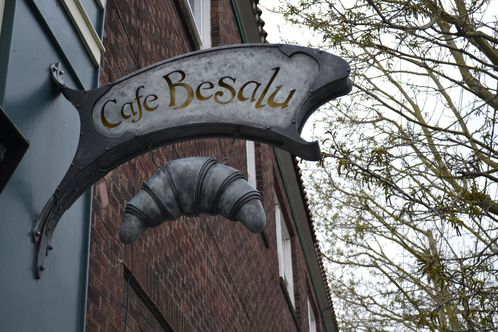 Full_cafe_besalu