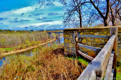 Full_a_view_from_ft._snelling_state_park