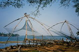 Main_thumb_800px-chinese_fishing_nets__217075805_